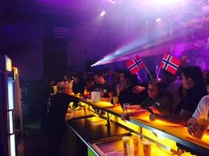 Zero har sagt att det står mellan Norge och Sverige i morgon så bäst att hålla koll på sina närmsta konkurrenter.