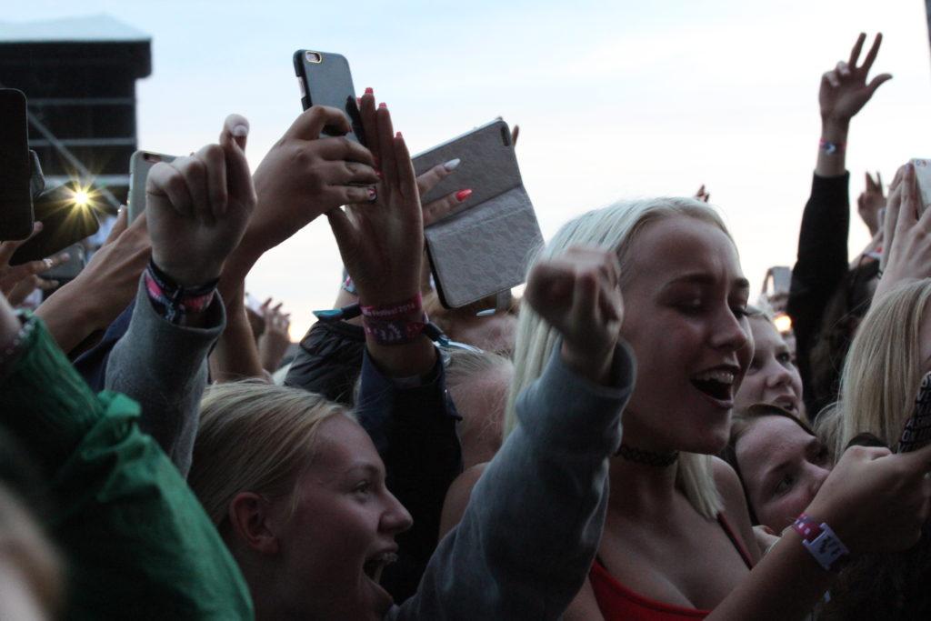 """Publik på Bråvallafestivalen 2016. Foto: Jürgen """"The Producer"""" Krado."""