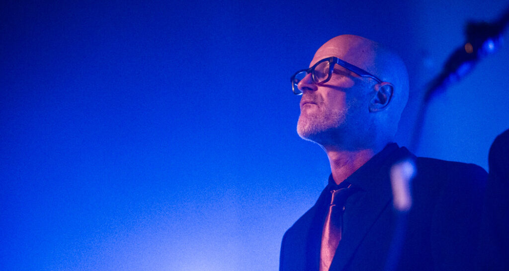 Eddie Bengtsson kontemplerar konsertarrangörer som prioriterar R&B-klubbar framför att låta band få full speltid